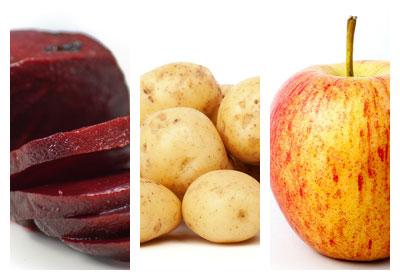 Bramborový salát s červenou řepou a jablky
