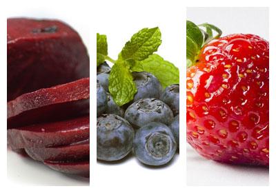 Smoothie z řepy, borůvek a jahod